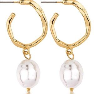Lilly Pulitzer Gold Hoop pearl earrings